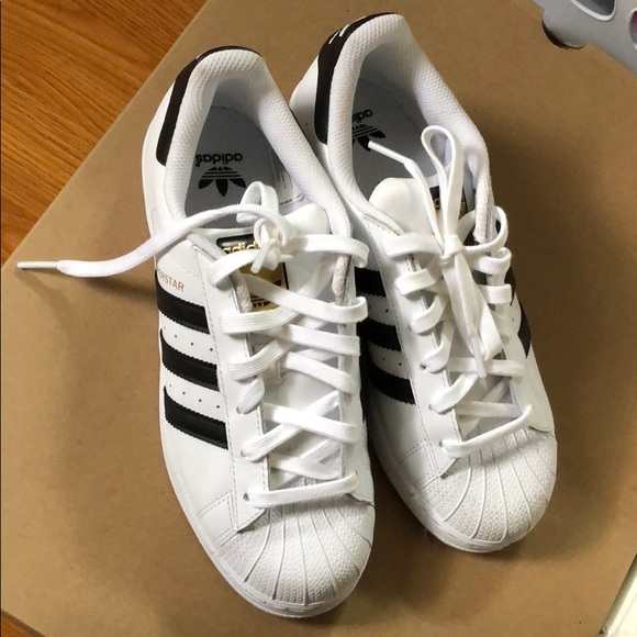 womens adidas shoes size 5